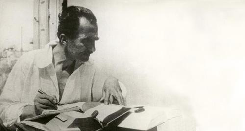 Στην Αίγινα, συγγράφοντας το ελληνογαλλικό λεξικό, Άνοιξη 1931