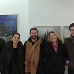 Από αριστερά: Διονύσης Καψάλης, Γεν. Διευθυντής του Μορφωτικού Ιδρύματος της Εθνικής Τράπεζας (MIET), Αλίκη Κεφαλογιάννη, Διευθύντρια του Ελληνικού Ιδρύματος Πολιτισμού Ιταλίας, ο καλλιτέχνης Στράτος Καλαφάτης, Αφροδίτη Οικονομίδου, Επιμελήτρια της έκθεσης και Σταύρος Πετσόπουλος, Ιδιοκτήτης των Εκδόσεων Άγρα