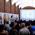 Ψηφιακή παρουσίαση τοπικών Ελληνικών ενδυμασιών (παραγωγή: Μουσείο Μπενάκη).
