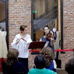Στιγμιότυπο από τη συναυλία κλασικής μουσικής της Ioana Turcu (φλάουτο) και της Raluca Stratulat (βιολί).