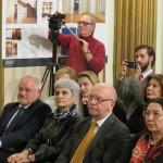 Ο Πρέσβης της Ελλάδος στη Ρουμανία, κ. Βασίλειος Παπαδόπουλος (μ), ο Διευθυντής του Ιταλικού Μορφωτικού Ινστιτούτου, κ. Ezio Peraro (α) και η εκπρόσωπος του χορηγού της εκδήλωσης, κ. Ανθούσα Μεχανετζίδου (δ), κατά τη διάρκεια της συναυλίας.