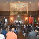 Φωτογραφικό στιγμιότυπο κατά τη διάρκεια της Τελετής Βράβευσης της μαθήτριας Μαρίας Δέσποινας Δίπλα, στην αίθουσα του Δημοτικού Συμβουλίου της Τεργέστης.
