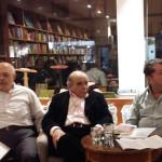 Στιγμιότυπο από την εκδήλωση με τον Θανάση Βαλτινό στο βιβλιοπωλείο Weltenleser.