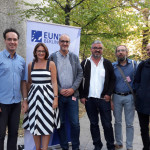 Στην φωτογραφία ο συνθέτης της συναυλίας Itay Dvori, η πρόεδρος της EUNIC Berlin Susanne Debeolles και οι κομίστες Τάσος Ζαφειριάδης, Francisco Sousa Lobo, Θανάσης Πέτρου και Γιάννης Παλαβός.