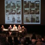 """Στην φωτογραφία η ελληνική συμμετοχή στην """"Ημέρα Γραφιστικού Μυθιστορήματος"""" του ilb με την παρουσίαση του βιβλίου """"Γρα-Γρου"""". Από αριστερά προς τα δεξιά: ο δημοσιογράφος Lars von Törne, ο διερμηνέας Θανάσης Τσίγκας και οι τρεις δημιουργοί του """"Γρά-Γρου"""", Τάσος Ζαφειριάδης, Θανάσης Πέτρου και Γιάννης Παλαβός. Φωτογραφία: Natassja Baum."""