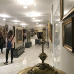 Φωτογραφικό στιγμιότυπο από την επίσκεψη των μαθητών στο Μουσείο της Ελληνικής Κοινότητας Τεργέστης.