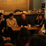 Χρήστος Χρυσόπουλος, Κάλλια Παπαδάκη, Μανώλης Πιμπλής, Μαρία Ευσταθιάδη και Γκαζμέντ Καπλάνι στο βιβλιοπωλείο L'instant.