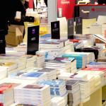 Το βιβλιοπωλείο Gibert Joseph είχε αναλάβει την πώληση βιβλίων των χωρών που συμμετείχαν στο αφιέρωμα «Ευρώπη». Εδώ, ο πάγκος με τα ελληνικά βιβλία.