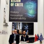 Erich Jost και Αλίκη Κεφαλογιάννη στο Περίπτερο της Περιφέρειας Κρήτης