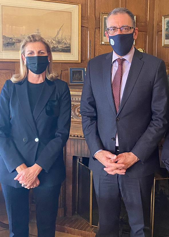 Η Πρόεδρος του Centre Culturel Hellénique, κα. Κατερίνα Ξυλά και ο Πρόεδρος του Ελληνικού Ιδρύματος Πολιτισμού, κ. Νίκος Α. Κούκης.
