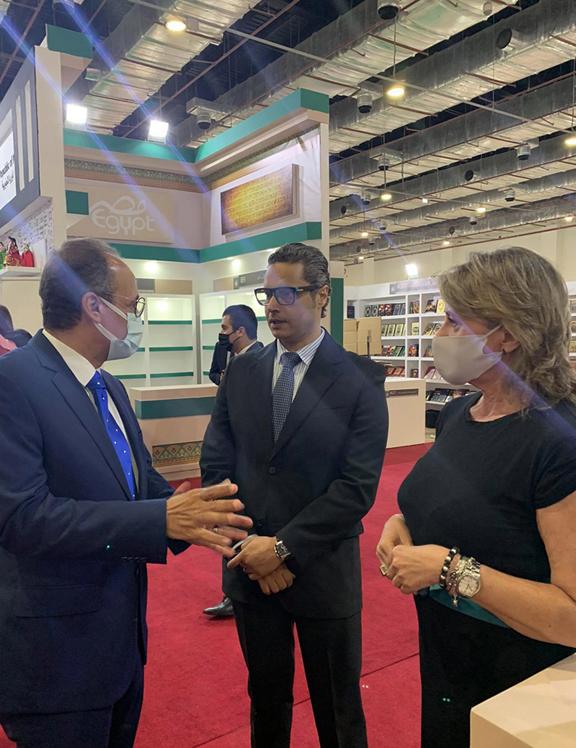 Λίγο πριν τα εγκαίνια της Έκθεσης, το Ελληνικό Περίπτερο επισκέφθηκε ο διευθυντής του Αιγυπτιακού Οργανισμού Βιβλίου και της Έκθεσης, κ. Haitham Alhj Ali.