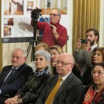 Ambasadorul Republicii Elene la București, dl Vasileios Papadopoulos (mijloc), Directorul Institutului Italian de Cultură, dl Ezio Peraro (stânga), și sponsorul concertului (compania ALINDA), dna Anthousa Mechanetzidou (dreapta).