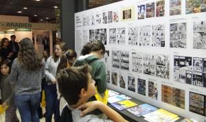 Greek kids from Frankfurt reading our comics.