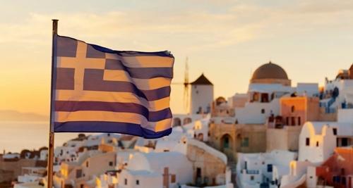 From Athens to Washington D.C.: Oikos, Polis, Ecumene